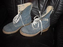 Knss Adventure márkájú farmer anyagú  38-as cipő
