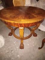 100 éves antik intarziás asztal