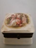 Porcelan doboz