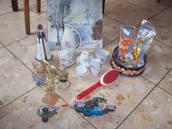Festmény,porcelán,üveg,játék,nyaklánc együtt eladók