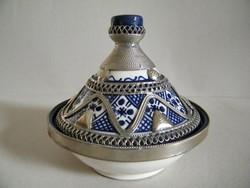 Marokkói fedeles, filigrán fémdíszes kerámia tálka