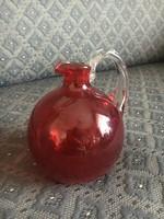 Szakított antik üveg kis kancsó, ritka vörös színű üveg, csavart fehér füllel, art deco forma