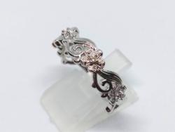 925-s finomságú ezüsttel töltött gyűrű, fehér topáz kristályokkal