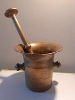 Antik rézmozsár törővel régi mozsár törő