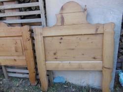 Rusztikus ágy, tömör fa, eladó, 2 db