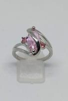 925-s finomságú ezüsttel töltött gyűrű, rózsaszín topáz kristályokkal