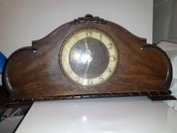 Régi kandalló óra