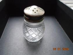 Antik homályosabb vastagfalú  dombormintás  öntött üveg sószóró valamikor ezüstözött kupakkal