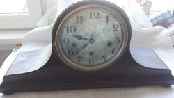 Art Deco Negyedütős kandalló óra