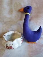 20211E1 Zsolnay porcelán kézzel festett gerezd alakú váza