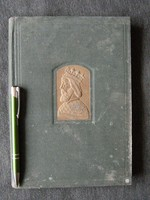 Magyar történelem képeskönyve képeskönyv -ben.  Dedikált is ! Nemzeti ereklye fotó -k .....!