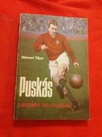 Régi életrajzi könyv  Hámori Tibor PUSKÁS  korabeli fotókkal