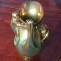 Zsolnay: Arató váza, női alakokkal