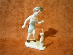 Aquincumi porcelán nyuszis fiú, kisfiú nyuszival
