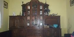 Antik szekrénysor