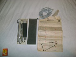 Retro MDO IX. mikrofon dobozában, papírjaival, használati utasítással