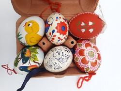 Kézzel festett, valódi hímes tojások - kifújt tyúktojásból - húsvéti dekoráció