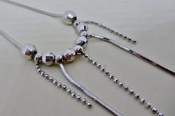 Gyönyörű hosszú ezüstnyaklánc