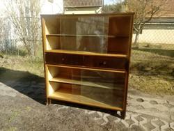 Eltolható üveges fiókos, polcos retro vagy art deco masszív könyves szekrény