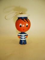 Retro festett esztergált fa matróz / tengerész figura