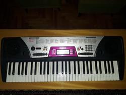 Yamaha PSR 172 kísérő automatikás szintetizátor