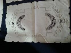 5 darab csipkés , vart vászon szalvéta elegáns terítéshez