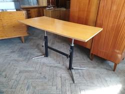 Fémvázas régi retro állítható íróasztal loft asztal