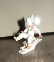 Aquincumi porcelán szánkós kisfiú