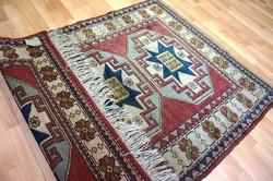 Eredeti Keschan Kazah kézzel szőtt szőnyeg szép állapotban 167x123 cm