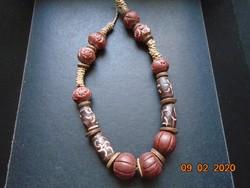 Egyedi Kézzel készült többféle egzotíkus fa gyöngyből nyaklánc
