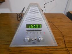 Elta 3504 ébresztőórás rádió piramis alakú