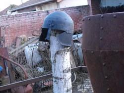 Szép középkori lovagi páncélsisak roham sisak lovassági Loft industrial szegecselt