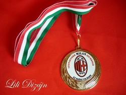 """""""A legnagyobb Milan szurkoló az egész világon"""" egyedi érem"""