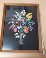 Régi retró Kézzel hímzett ,virágcsokor üveges keretben.