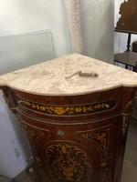 Intarziás sarokszekrény-tálaló márványlapos