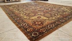 Gyönyörű perzs szőnyeg 320×250