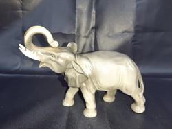 Unterweissbach  elefánt