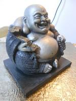 Buddha szobor nevető