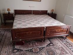 2 db.Neobarokk ágy, éjjeliszekrény.