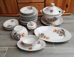 31 db-os virágos étkészlet, porcelán, tányér, levesestál, pecsenyés, szószos,