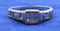 Ezüst gyűrű csiszolt kristály antik motívum 925