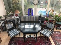 Mór stílusú ónémet ülőgarnitúra, 4 szék, asztal és kanapé