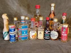 Mini üveges italgyüjtemény