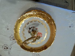 dús aranyozással porcelán tortatál kínáló