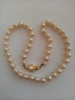 Szép állapotú tekla gyöngy nyaklánc aranyozott  ékszer kapcsolóval ajándék kitűzővel