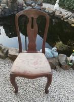 Nosztalgia szék, bieder jellegű hajlított lábú szék.