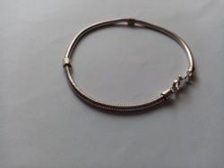 Fémjelzett 925 ezüst charm karkötő karlánc