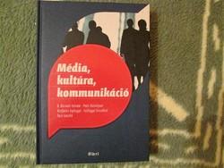 Média, kultúra, kommunikáció Új