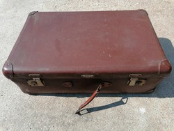 Régi bőrönd (377)