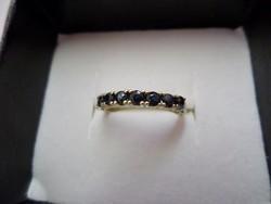 Arany gyűrű valódi kék zafírokkal